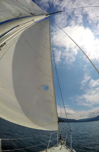 Sailing, cruise and learn, howe sound, vancouver